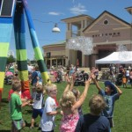 Having FUN at the Promenade Shops at Centerra Kid Day !