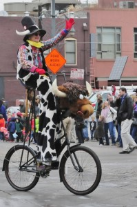 Many thanks to Kevin Miller Photography for this photo of Cowboy Stretch on his trusty steed, Meals on Wheels..